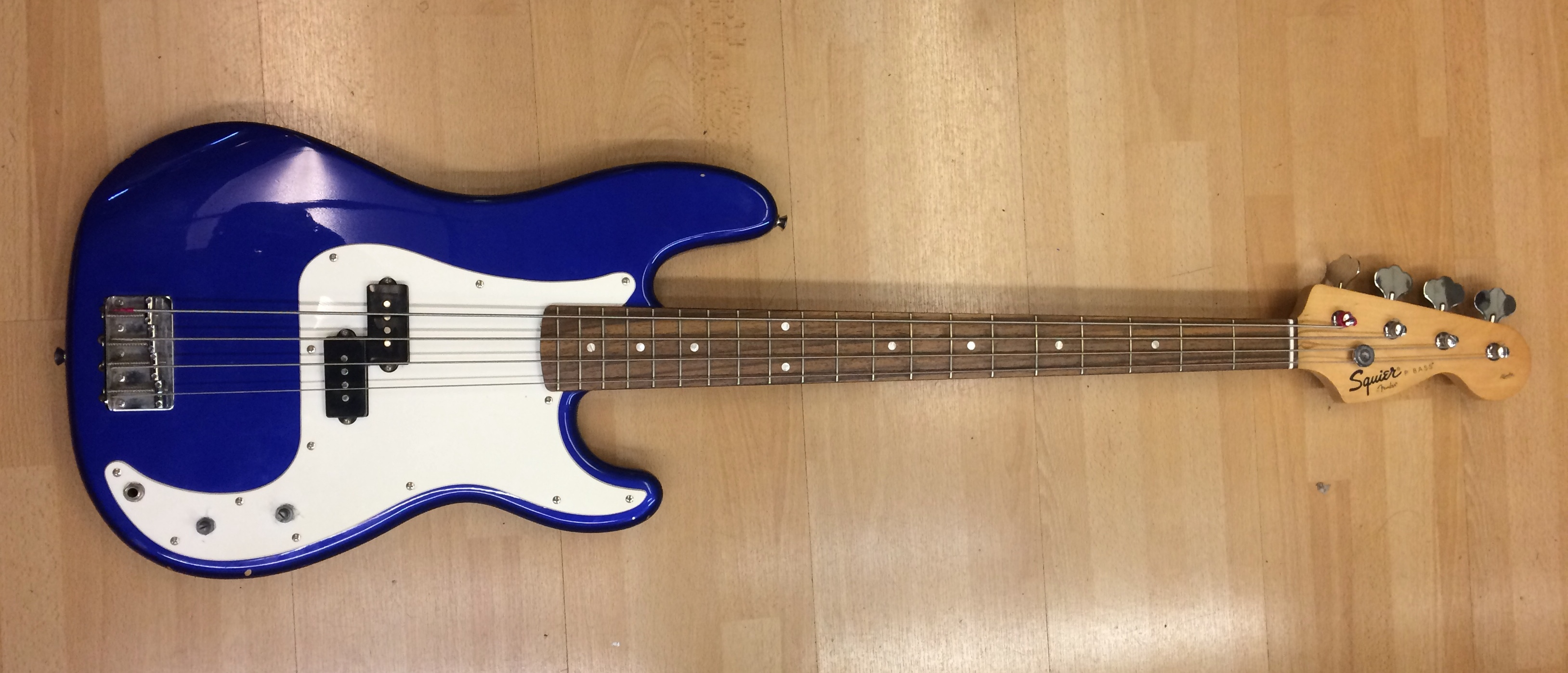 Picture of Squier Affinity Precision Bass