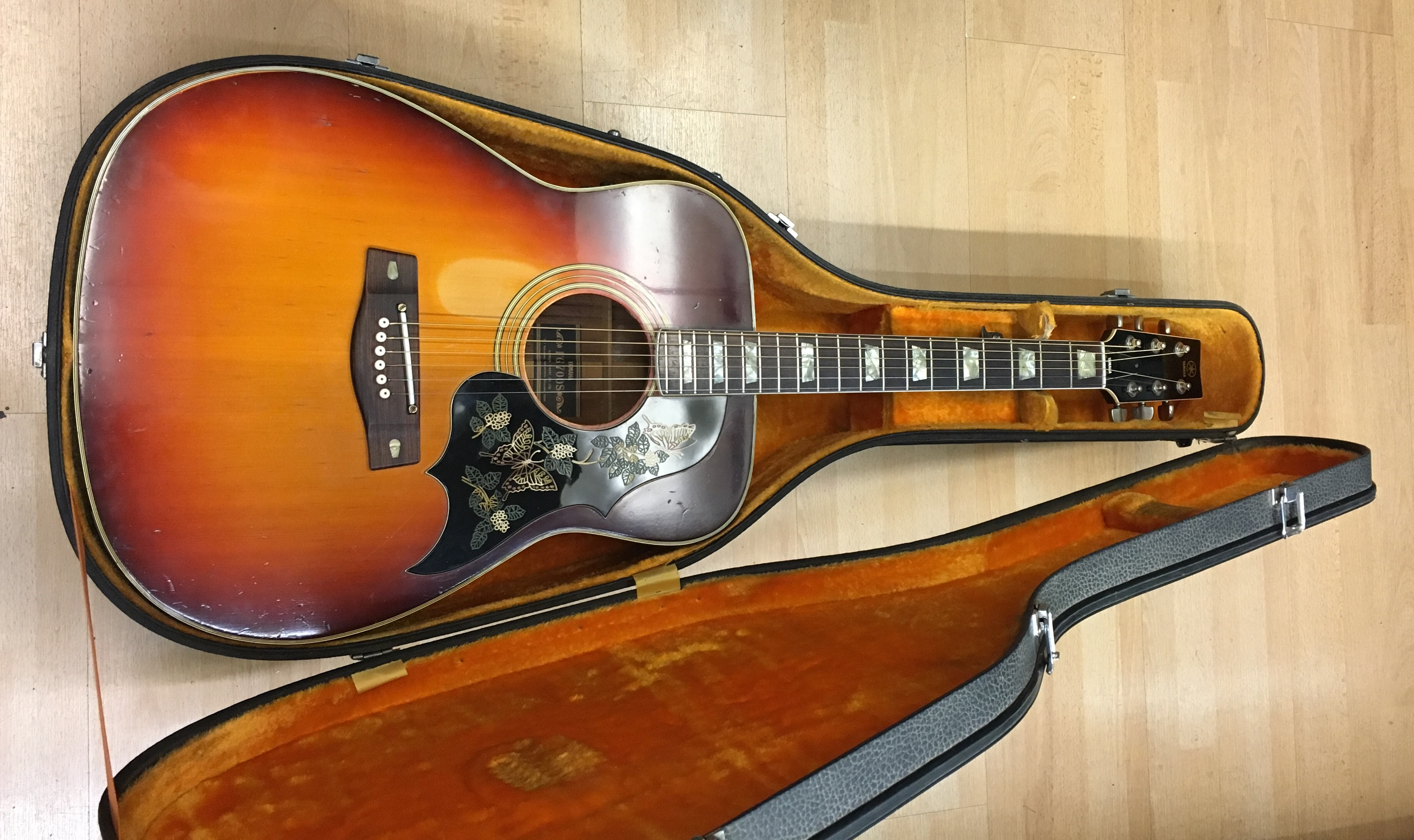 Picture of Yamaha FG700S