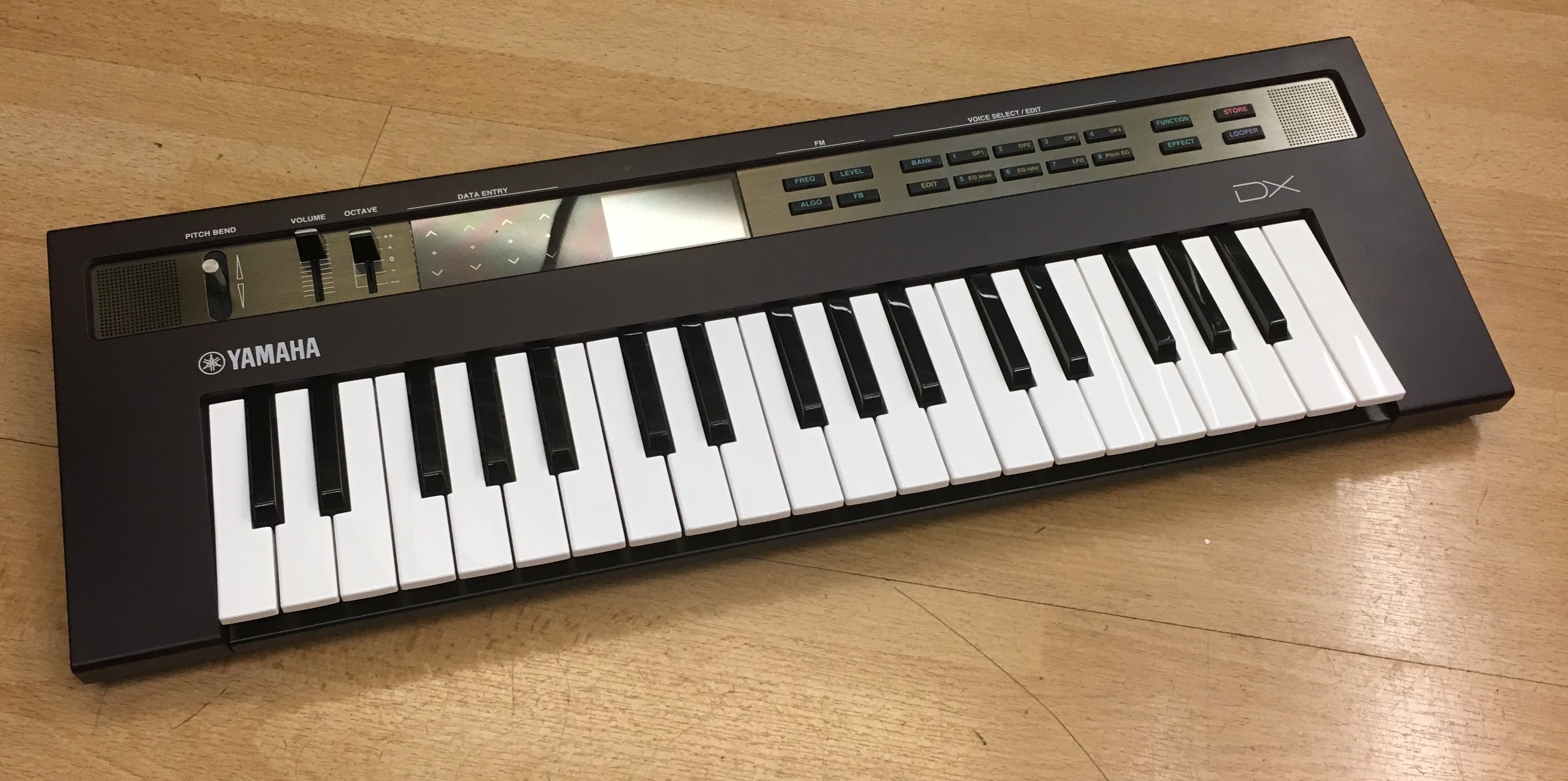 Picture of Yamaha Reface DX