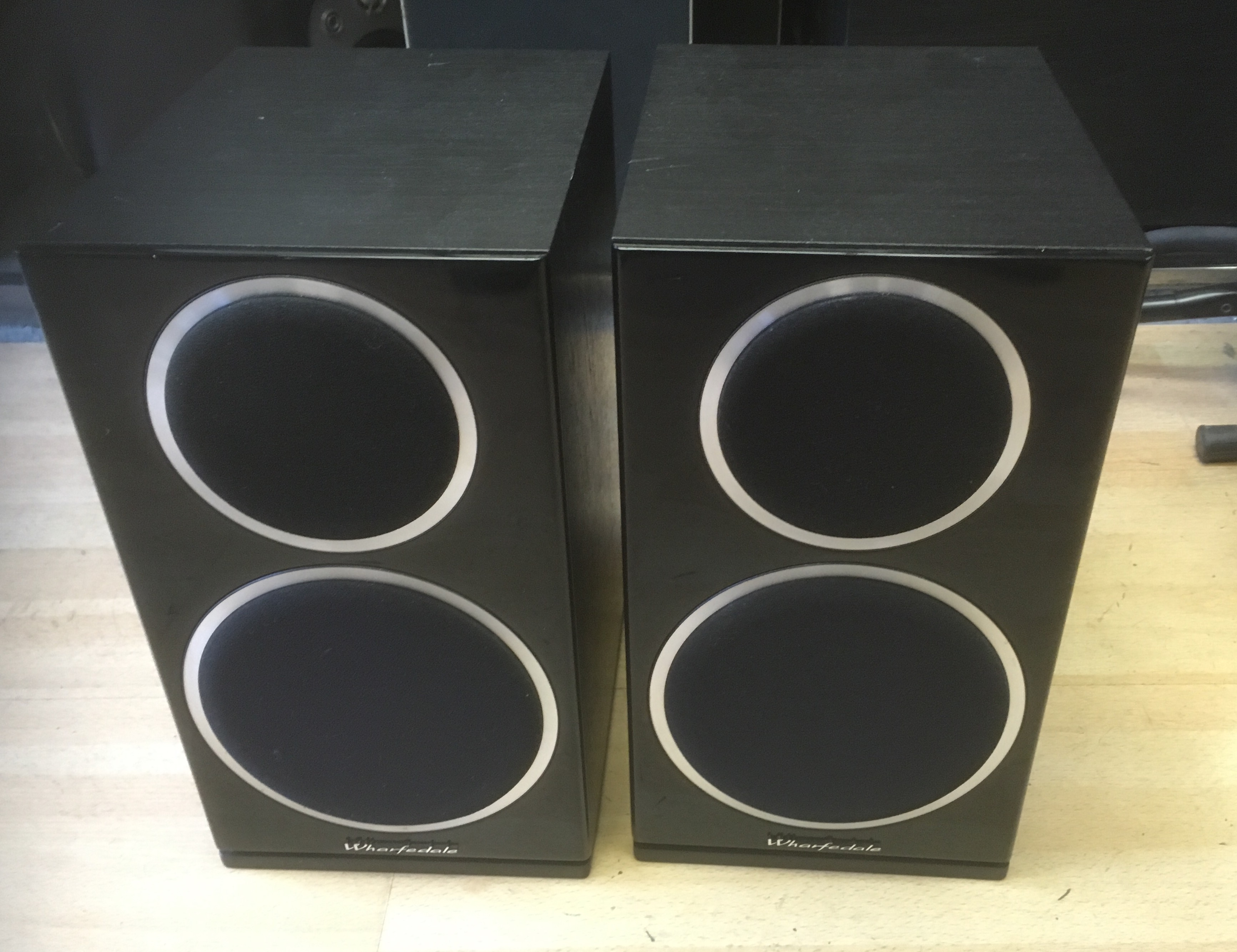 Picture of Wharfedale Diamond 220