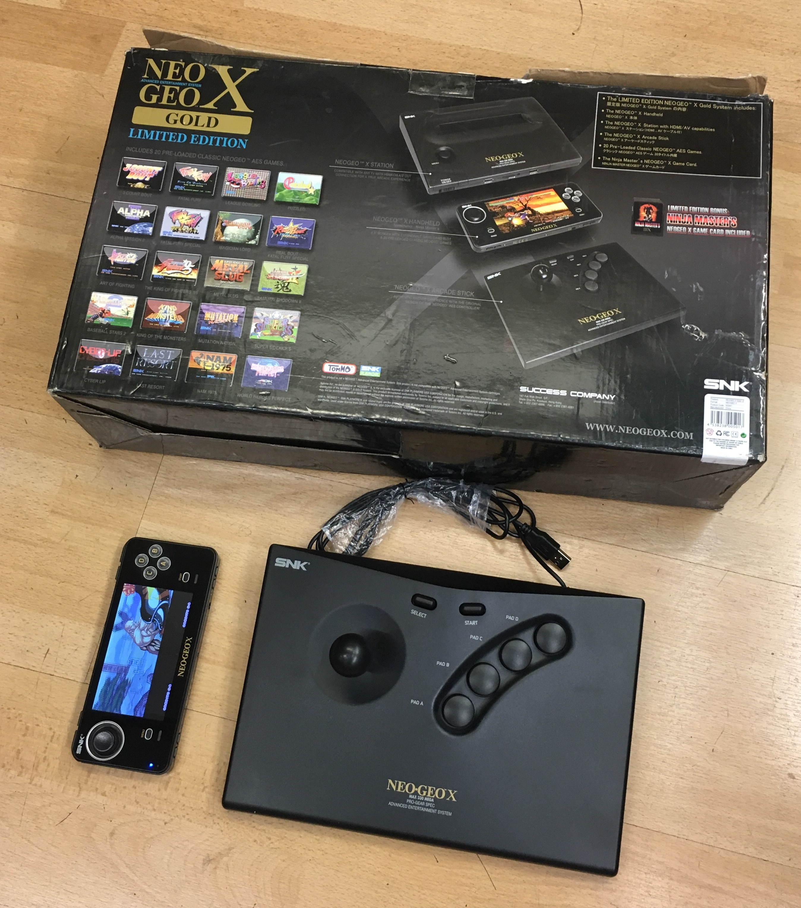 Picture of SNK Neo Geo X Gold