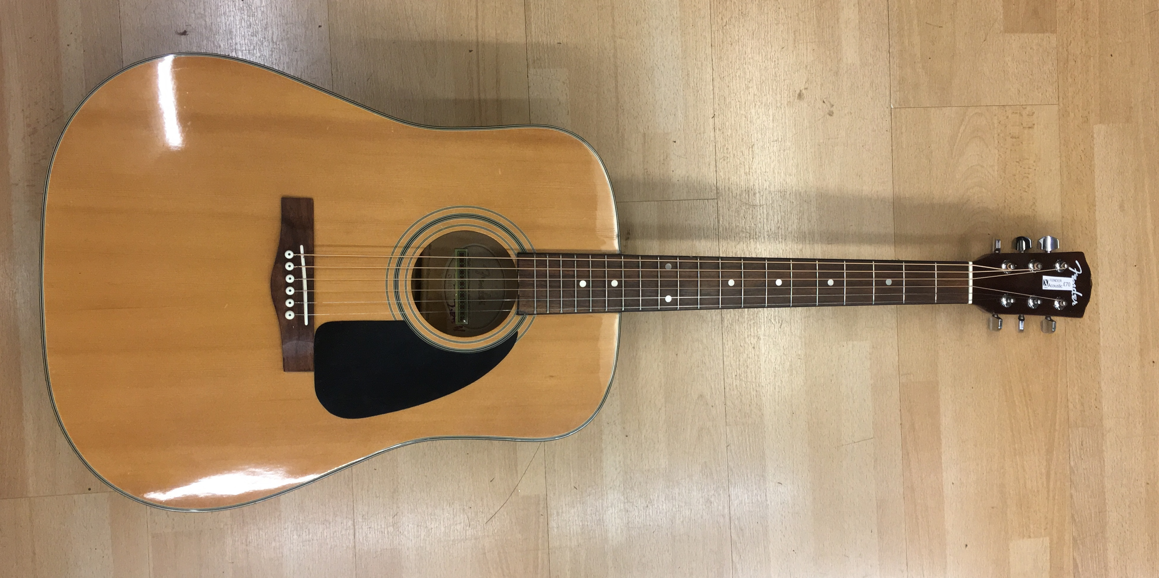 Picture of Fender Acoustic