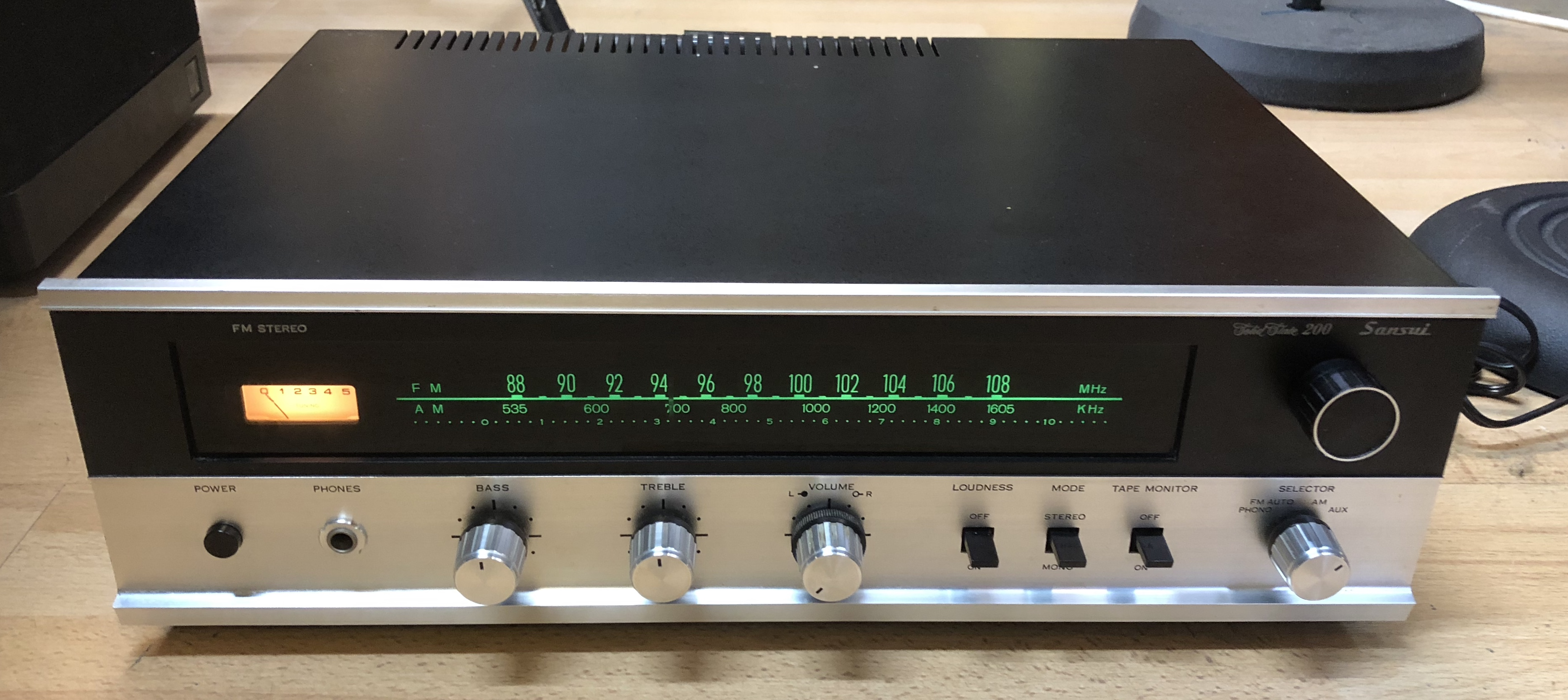 Picture of Sansui 200