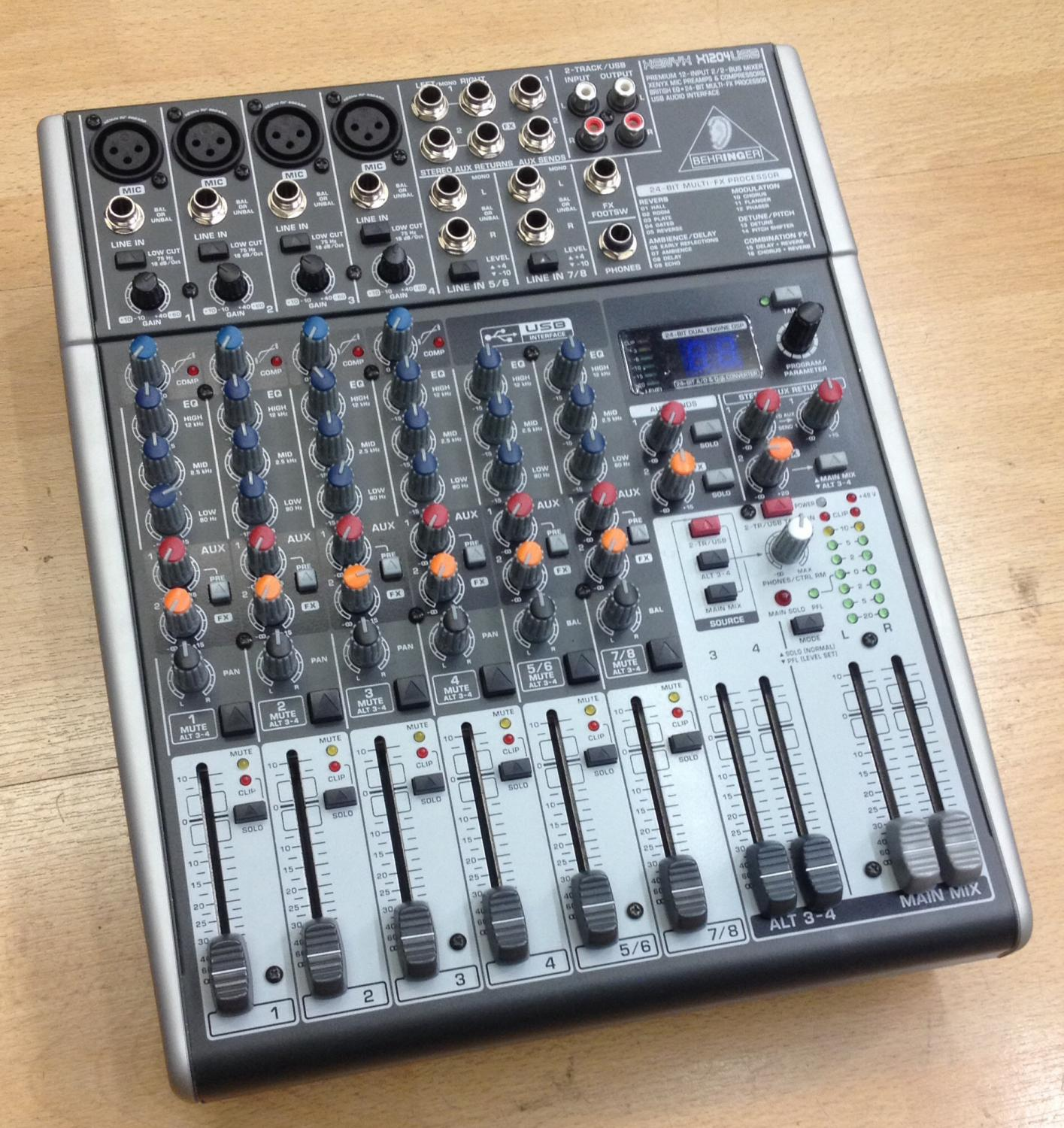 Picture of Behringer Xenyx 1204